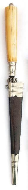 Stylet corse (XIXème siècle) Poignée en os...