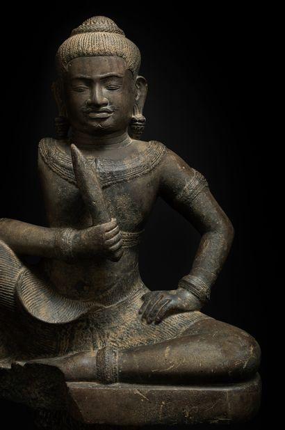 CAMBODGE - Période khmère, BAPHUON, XIe siècle Statue de divinité protectrice (deva)...