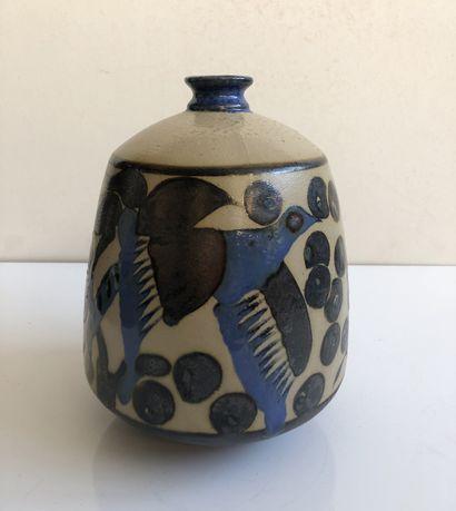 PRIMAVERA Vase balustre en céramique émaillée beige et bleu à décor d'oiseaux stylisé...