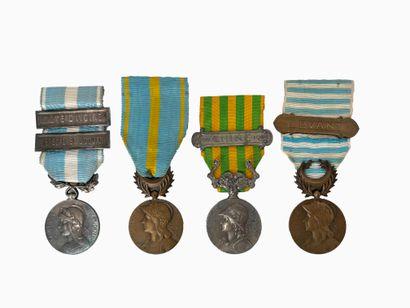 Ensemble comprenant : - Une médaille de Chine...