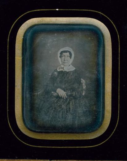 Femme à la coiffe, c. 1850 Daguérréotype...