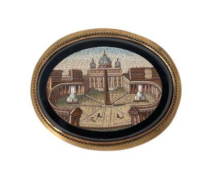 Broche en micromosaïque à décor de la Place...