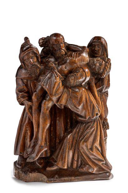 Descente de croix en noyer sculpté, élément...
