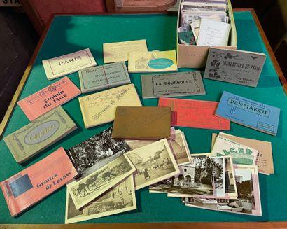 Ensemble de cartes postales dont certaines...