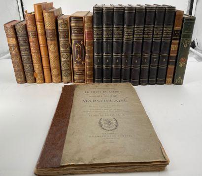 Ensemble de livres reliés et brochés dont...