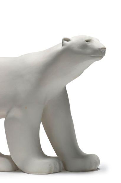 MANUFACTURE NATIONALE DE SEVRES François POMPON (1855-1933) Ours blanc Sculpture...