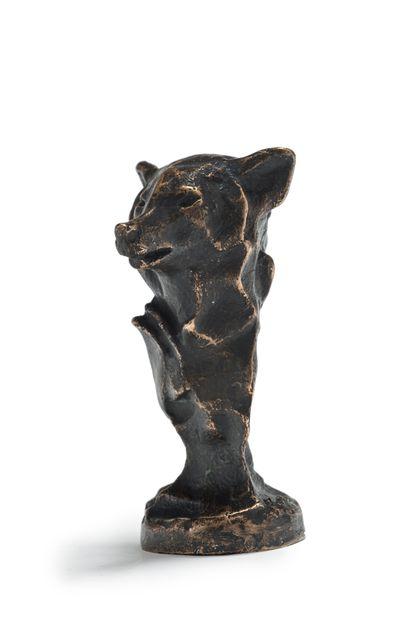 François POMPON (1855-1933) Tête de loup Epreuve à la cire perdue en bronze à patine...