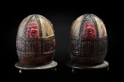 Gabriel ARGY-ROUSSEAU (1885-1953) Paire de veilleuses « Masques » en pâte de verre...