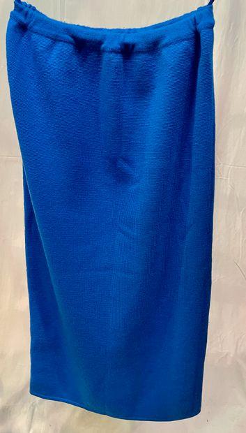 HERMES  Jupe droite en lainage bleu.  T....