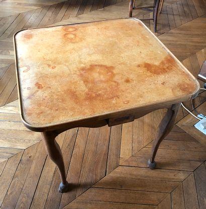 Table à jeux Provençale ouvrant à un tiroir...