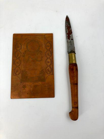 Lot comprenant un couteau à lame signée Nontron...