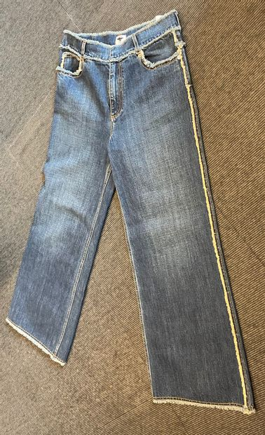 CHRISTIAN DIOR  Pantalon en jean  T. 40