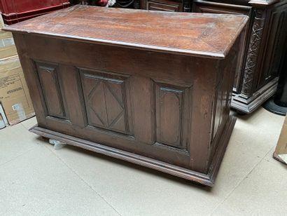 Coffre en bois  75 x 119 x 62,5 cm