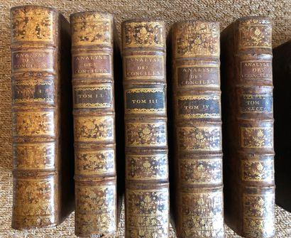 Lot de livres reliés dont Pastorale parisienne