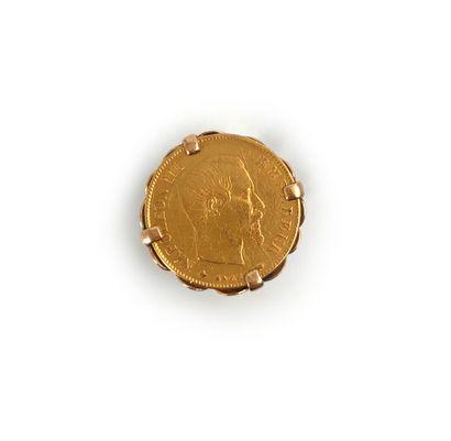 Pièce de dix francs or montée en bague en or jaune 18K 750°/°°  Poids: 7,30 g...