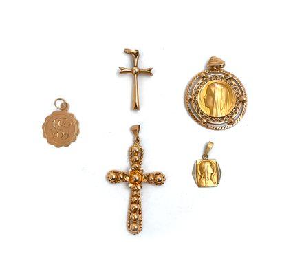 Ensemble de médailles et de croix en or...
