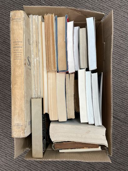 32 Volumes (caisse) :  -