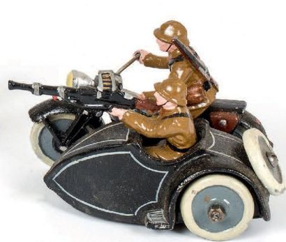 Motocyclistes (1939) Tenue kaki. 1 motocycliste...