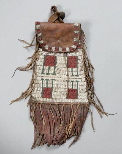 Sac en cuir de botte perlé Arapahoe ou Cheyenne....