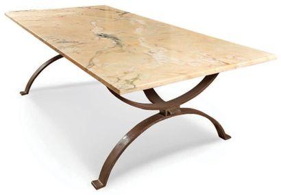 Table de salle à manger rectangulaire à piétement...