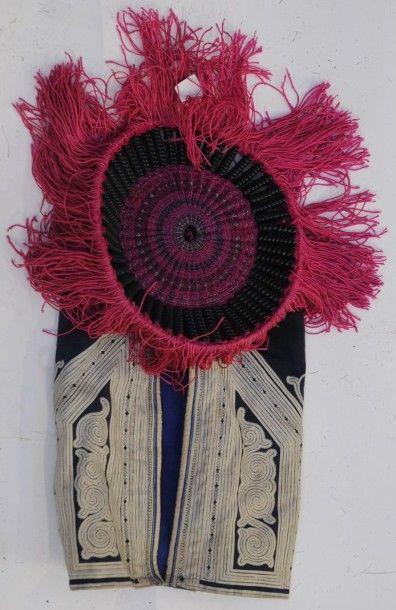 Bonnet d'enfant Miao – sud ouest de la Chine...