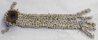 Coiffe – Tissu – Cauris – H. : 61 cm – Diam....