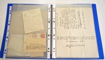 AUTOGRAPHES. Ensemble de lettres et cartes...