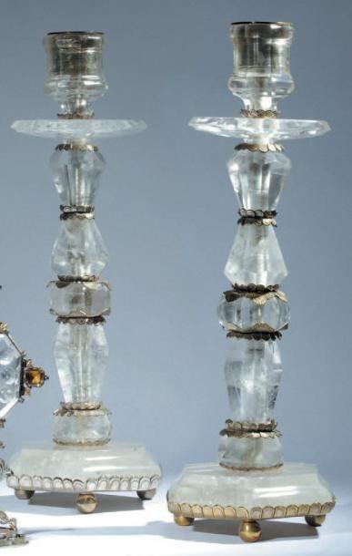 Paire de flambeaux de forme balustre en cristal...