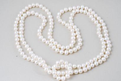 Collier de perles de culture blanches, à...
