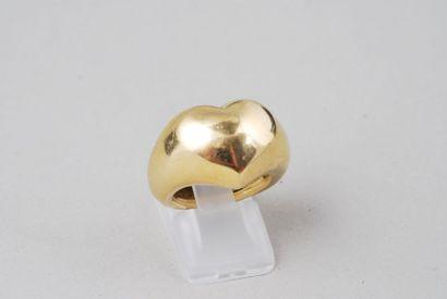 CHAUMET  Bague « coeur » en or jaune 18K....