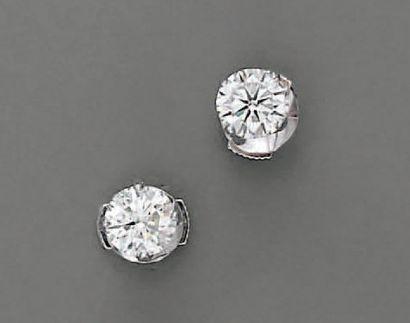 BOUTONS D'OREILLE diamants brillantés (2...