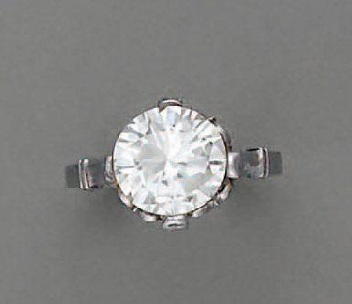 BAGUE diamant brillanté (2,50 cts), en p...