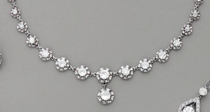 COLLIER 1920, en platine et diamants