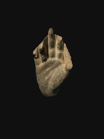 Main de Bouddha. En schiste. H : 7 cm
