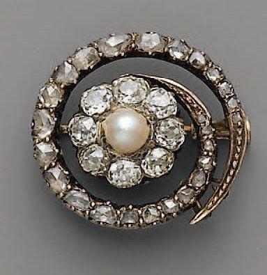 BROCHE XIXe, en or, argent, perle fine et...