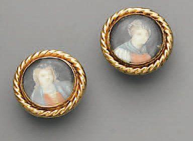 BOUTONS DE PLASTRON, en or et miniature peinte...