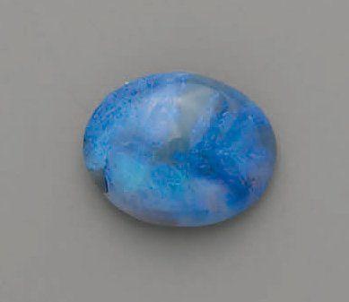 OPALE bleu, cabochon (10,42 cts)
