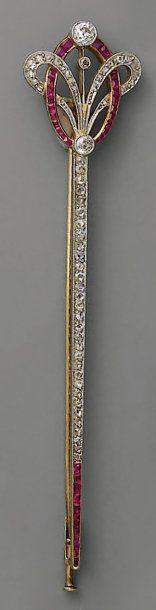 BARRETTE Art Nouveau, en or, platine, rubis...