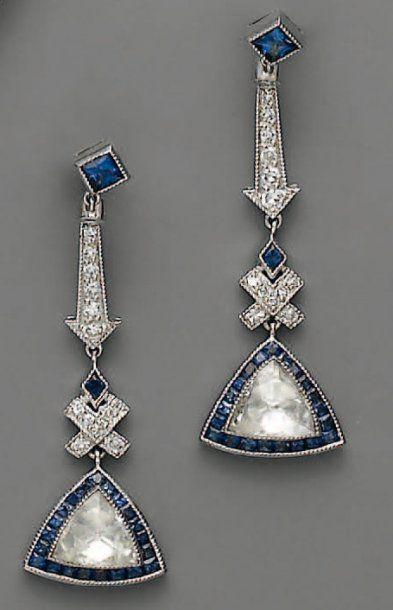 PENDANTS D'OREILLE, en or et platine, diamants...