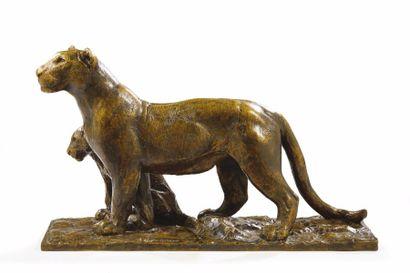 """Roger GODCHAUX (1878-1958) """"Lionne et lionceau"""" Exceptionnelle et rare sculpture..."""