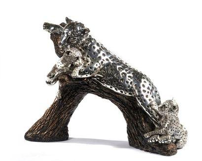 Sculpture Panthère et ses petits en métal...