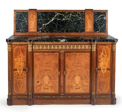 Important mobilier de salle à manger en acajou,...