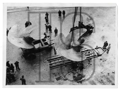 Dix photos dont 6 photos originales par KEYSTONE...