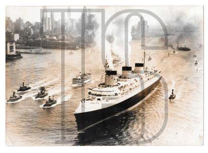 Onze photos originales dont KEYSTONE. Voyage...