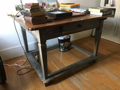 Table en bois laquée