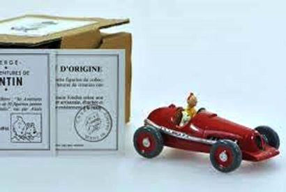 PIXI. 4516. Tintin et Milou en voiture rouge....