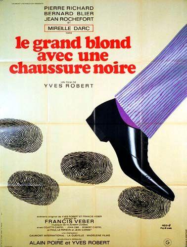 5 ex. - GRAND BLOND AVEC UNE CHAUSSURE NOIRE (le) - 19729