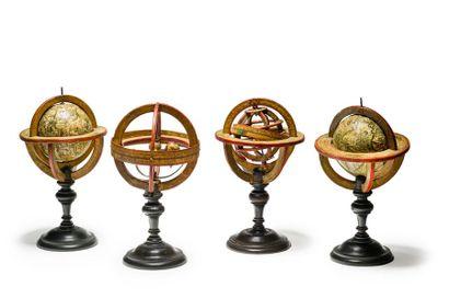 Rare ensemble de quatre sphères de bibliothèque...