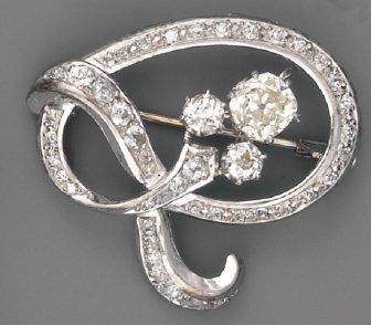 Broche en platine et diamants