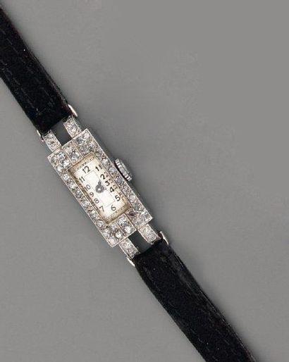 Bracelet montre 1925 en platine et diama...